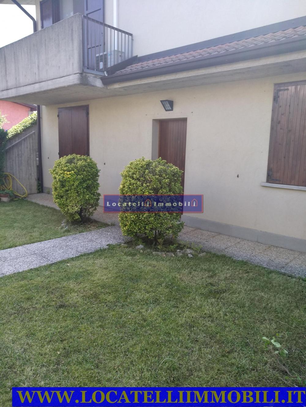Spazio Casa Azzano X azzano san paolo vendo trilocale in villa con giardino